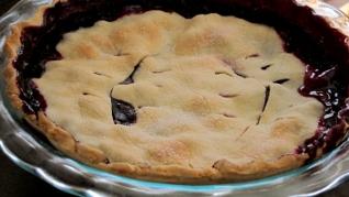 perfect gluten free blueberry pie